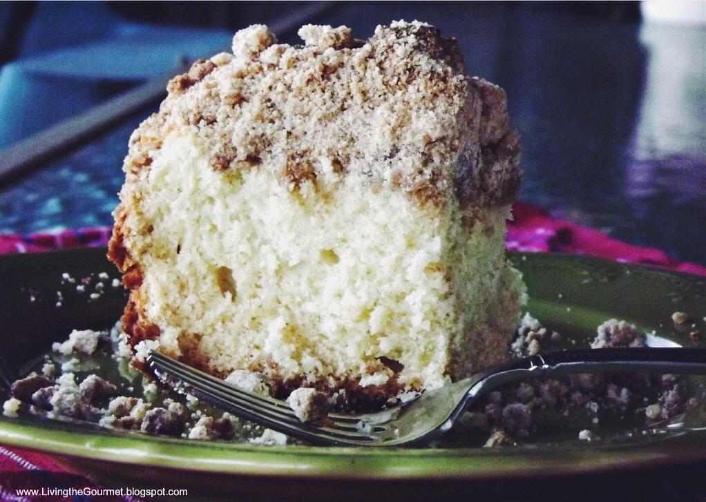 Living the Gourmet: New York-Style Crumb Cake