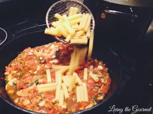 Easy Fresh Tomato Sauce with Macaroni