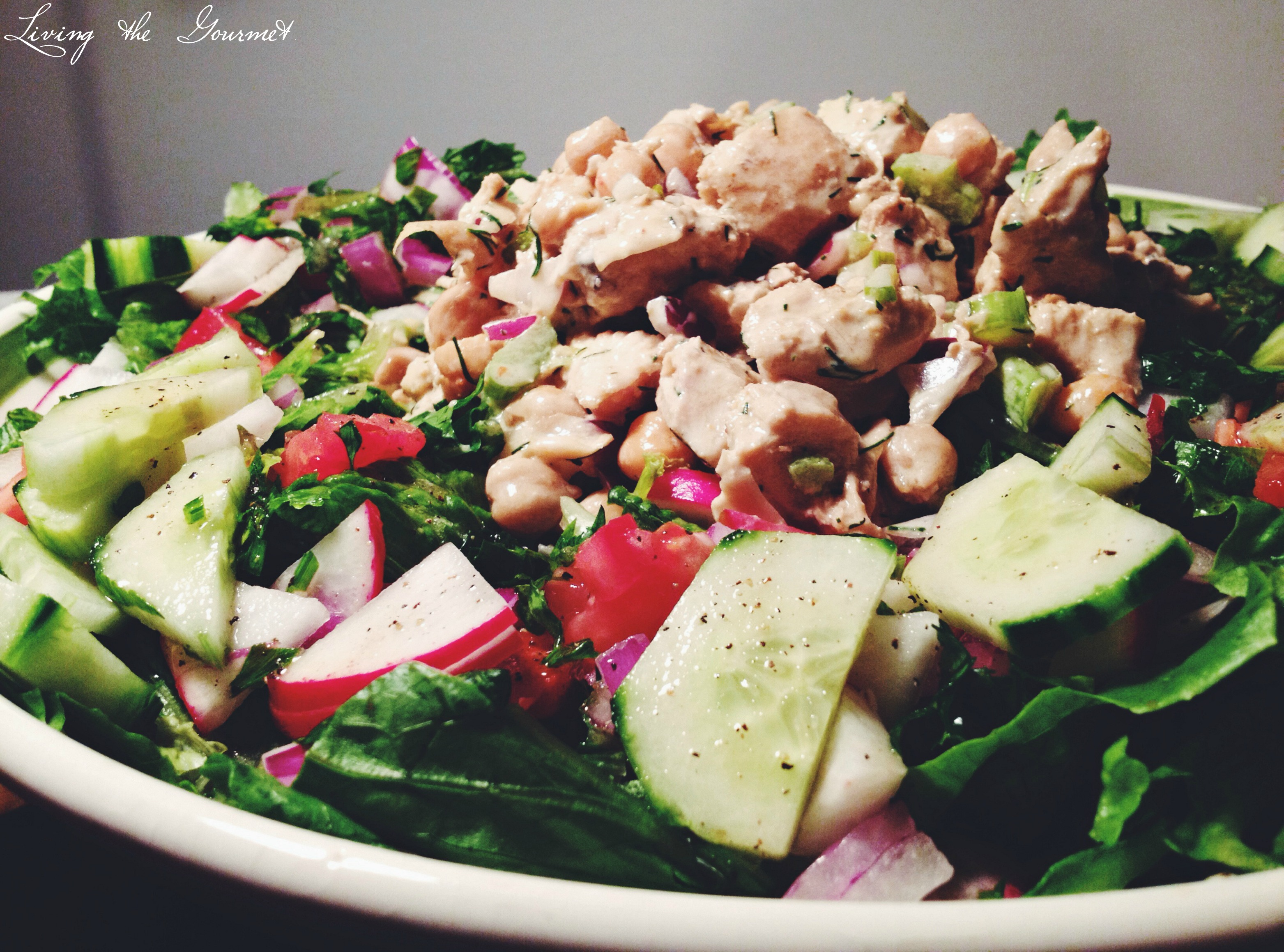 Easy and Light Chicken Salad with Fresh Salad Greenspreset