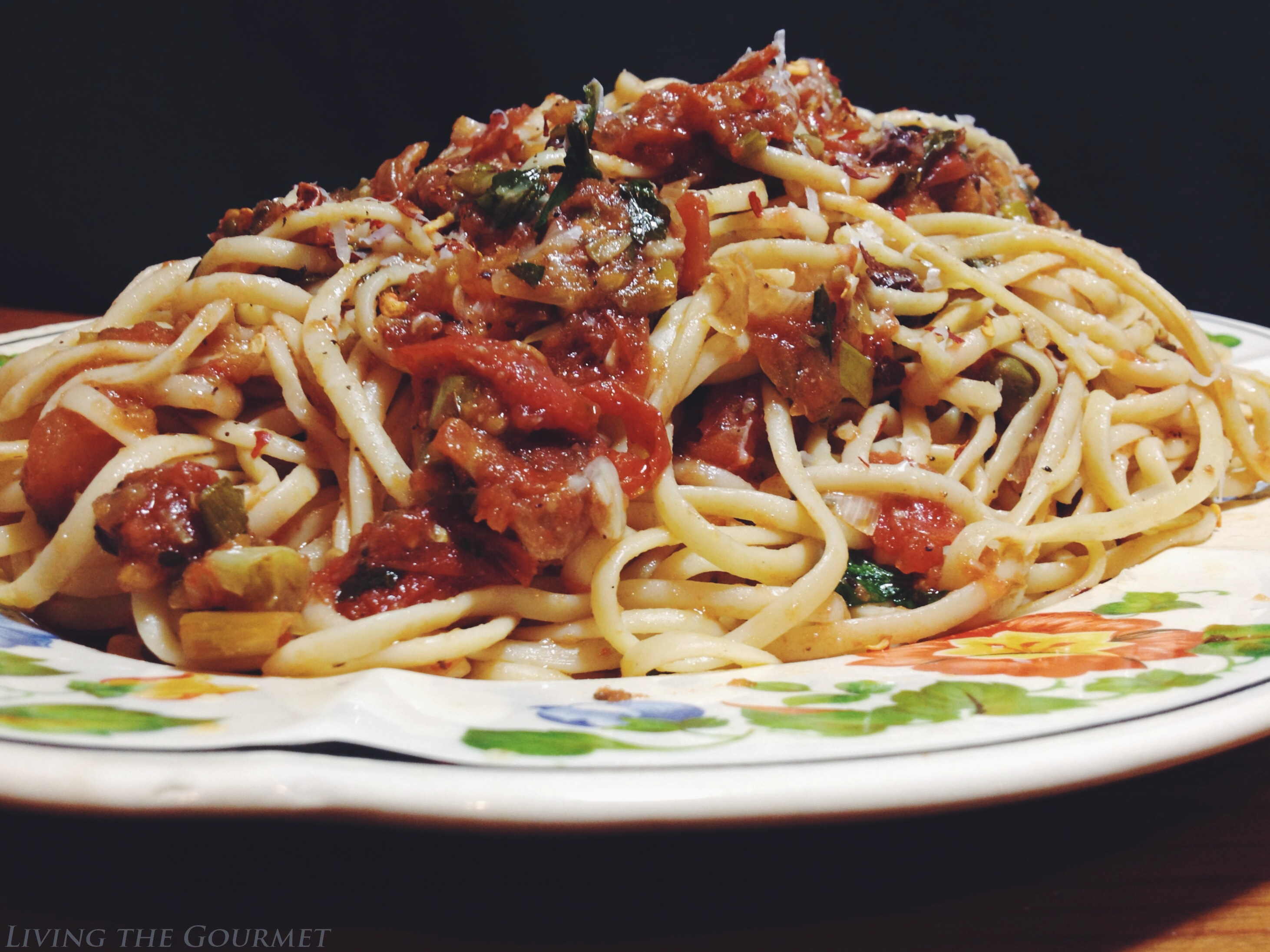 Living the Gourmet: Fresh Tomato & Anchovy Sauce with Spaghetti