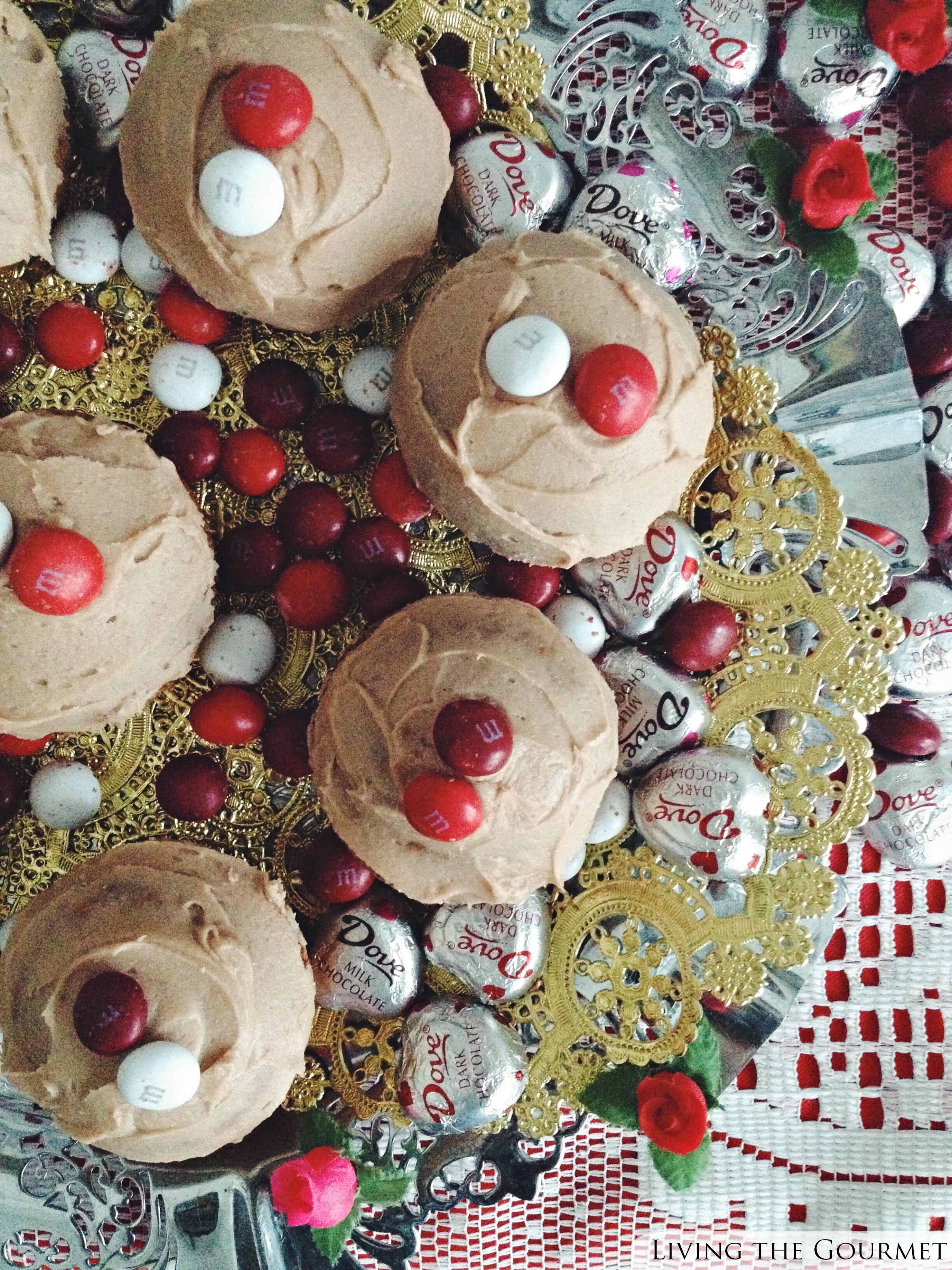 Living the Gourmet: M&M's® Red Velvet Candy Cupcakes #RedVelvetLove #Ad