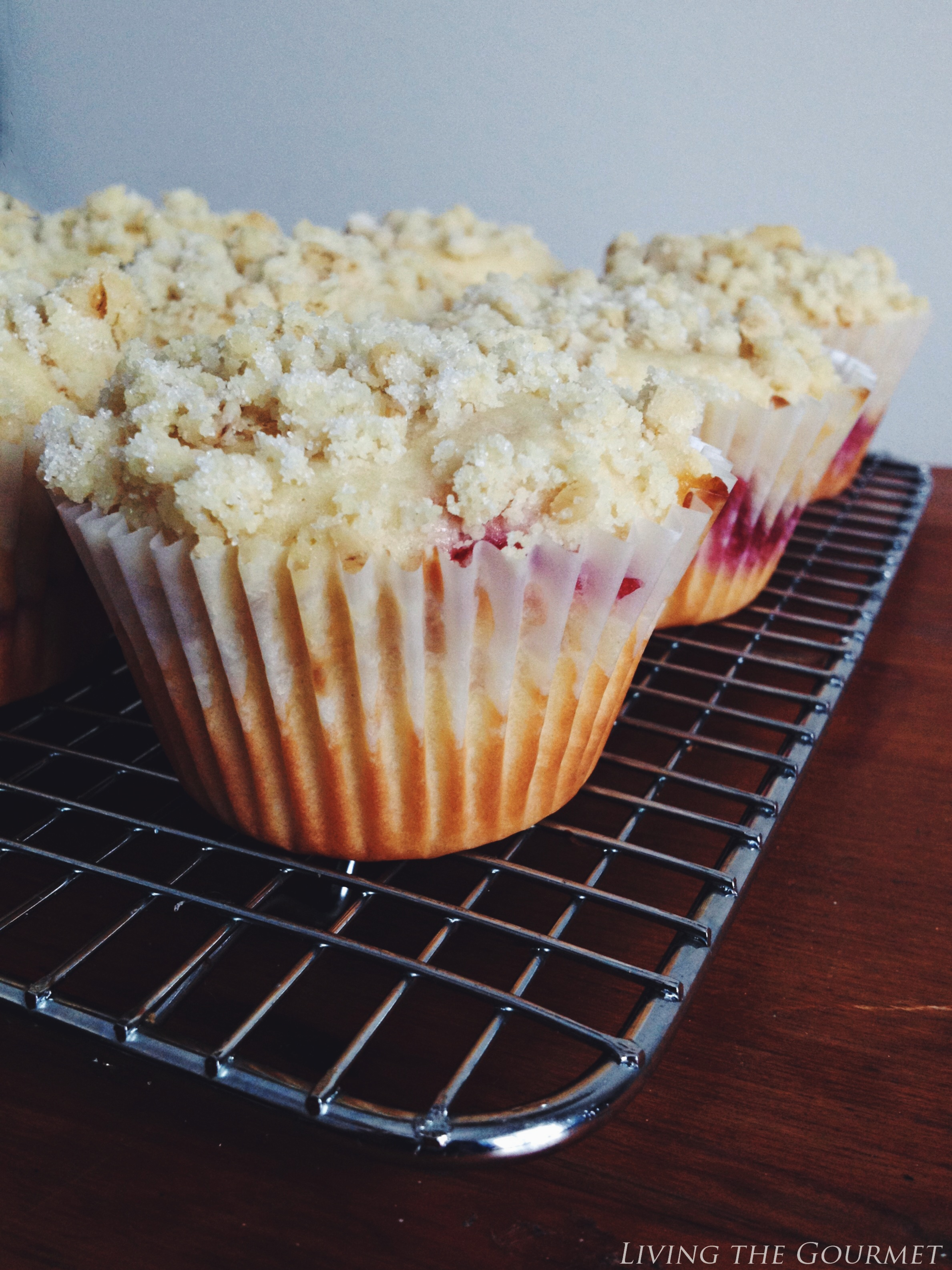 Living the Gourmet: White Chocolate & Strawberry Muffins