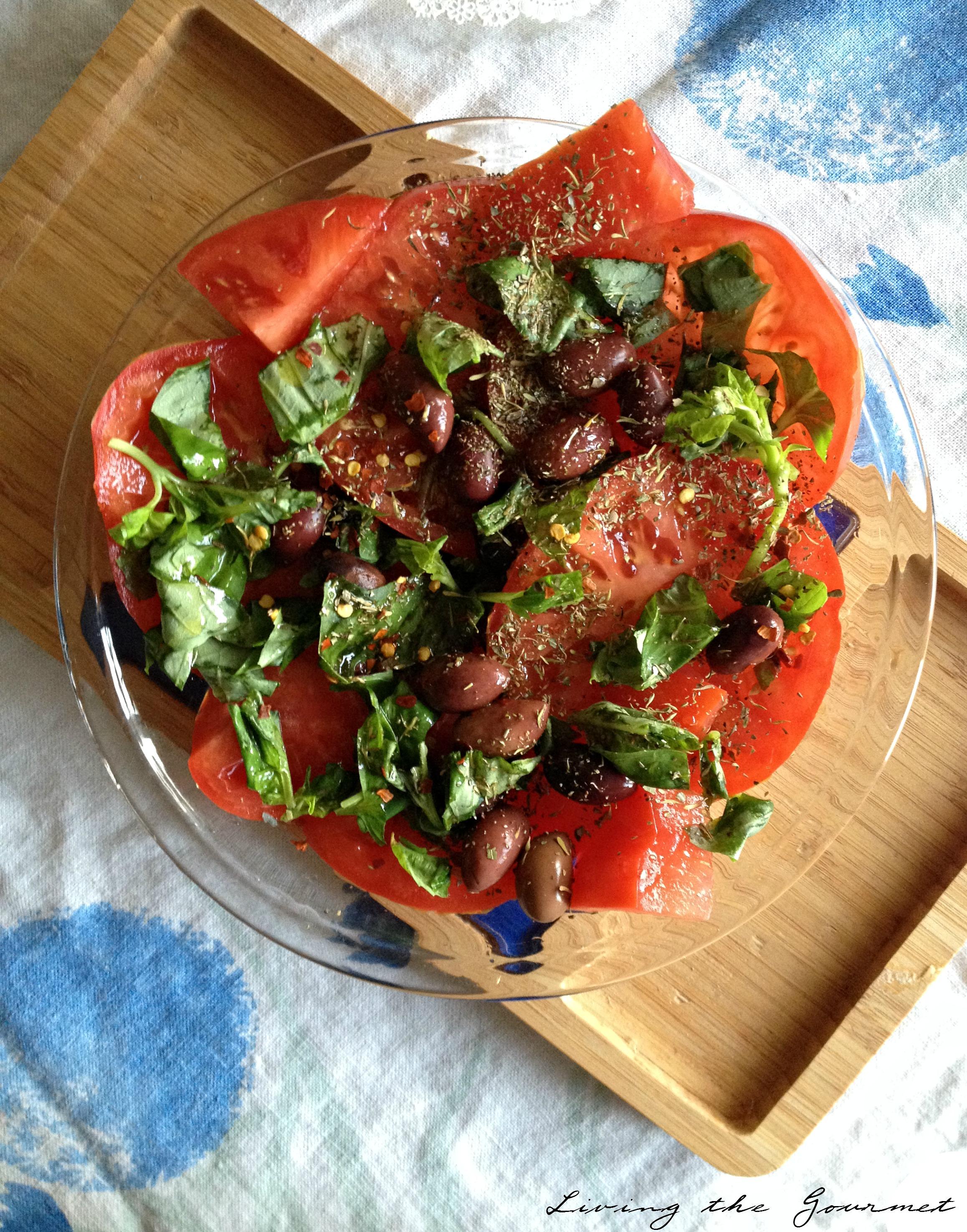 Living the Gourmet:  Pomodoro & Basilico Insalata | #SiWhatsNext #CG
