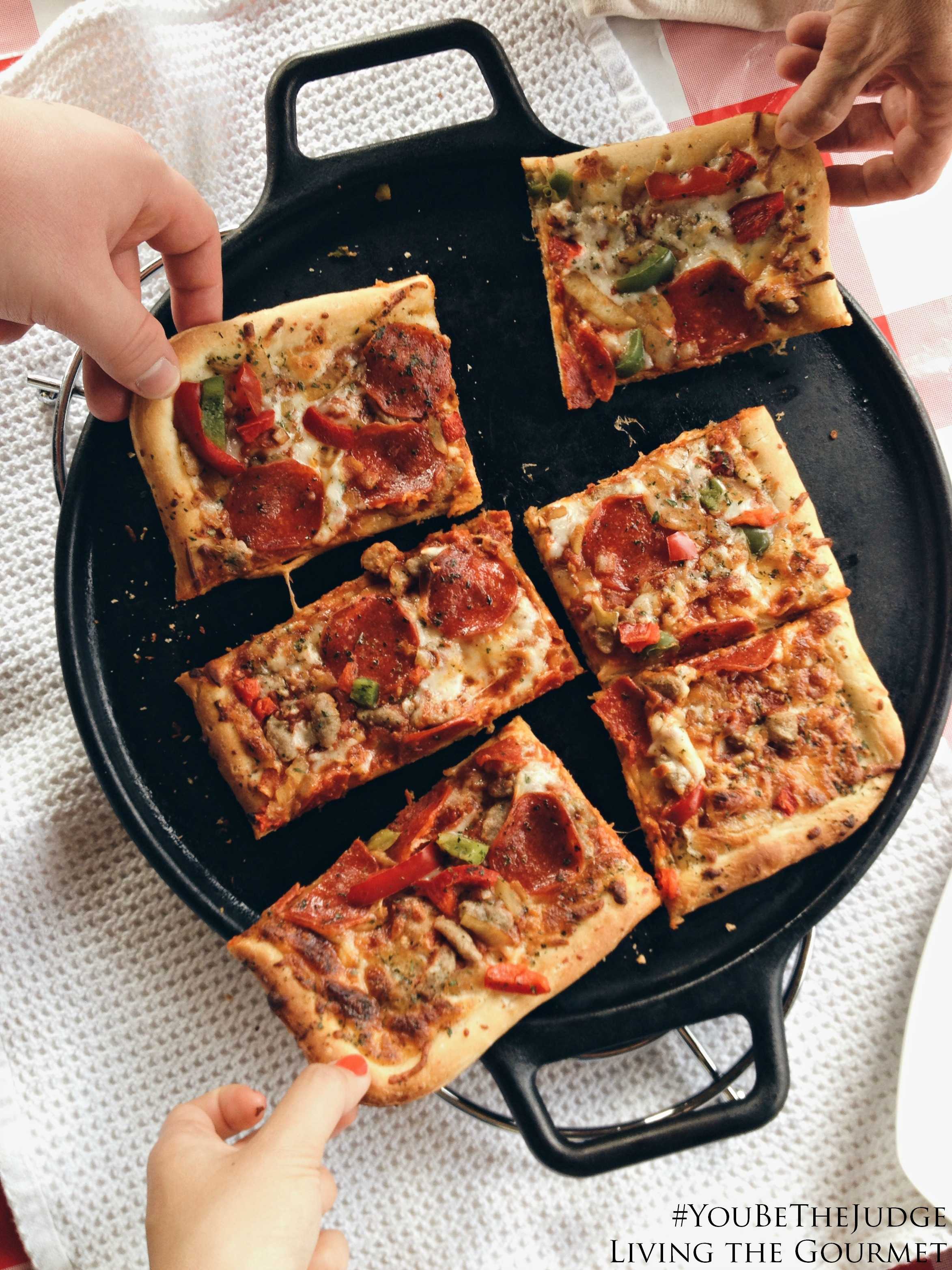 Living the Gourmet: A Relaxing Evening with DiGiorno #YouBeTheJudge #Ad