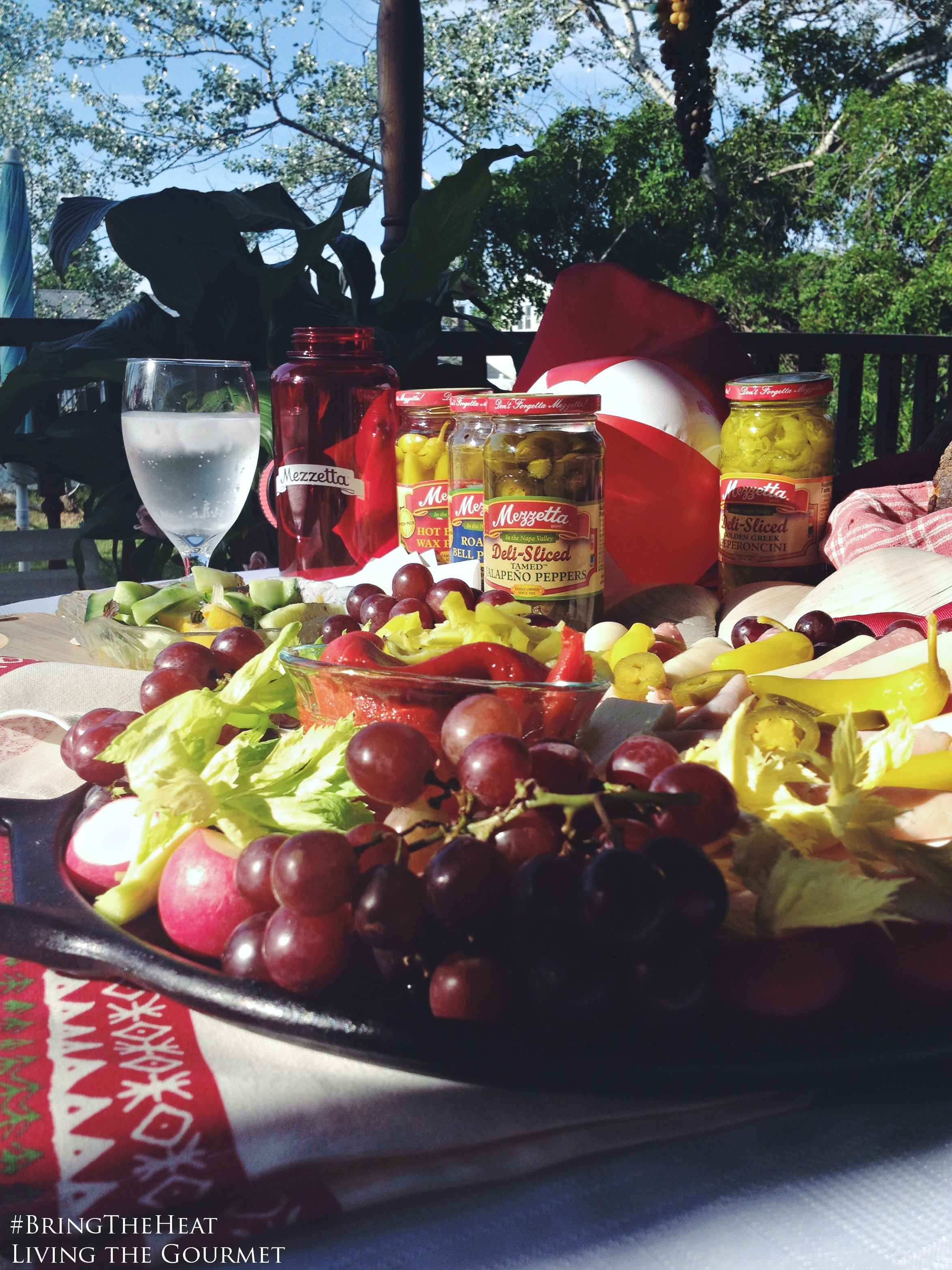 Living the Gourmet: Mezzetta Summertime Antipasto #BringTheHeat #sp