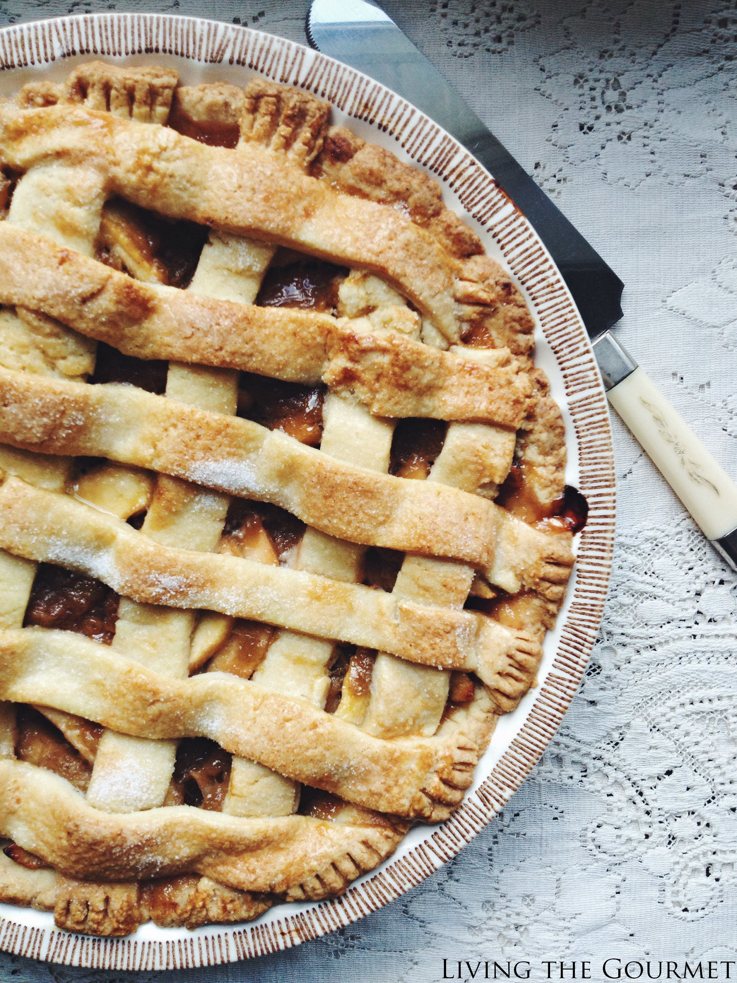Living the Gourmet: Apple Rhubarb Pie