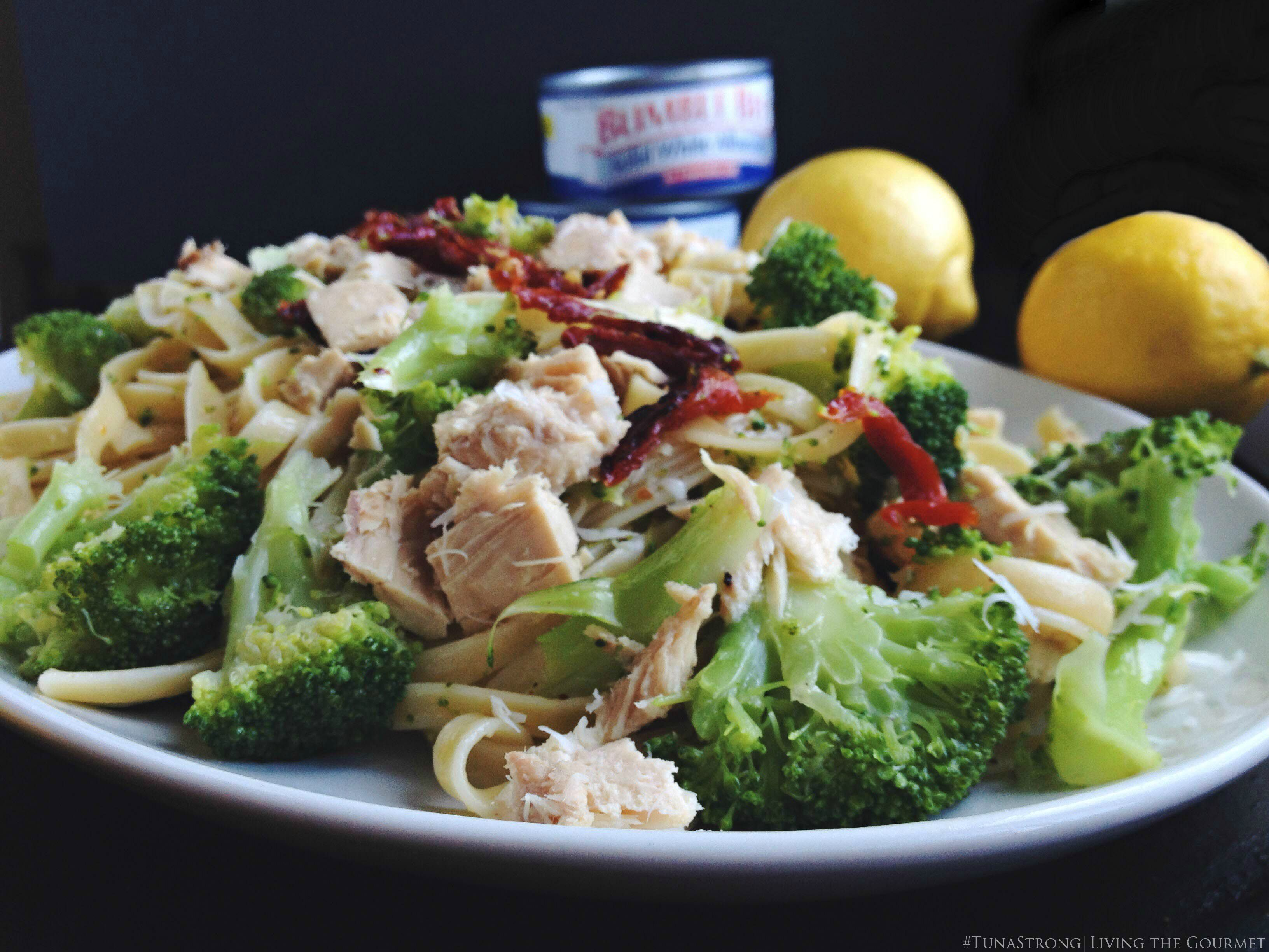 Living the Gourmet: Broccoli and Tuna Fettuccine | #TunaStrong #CG