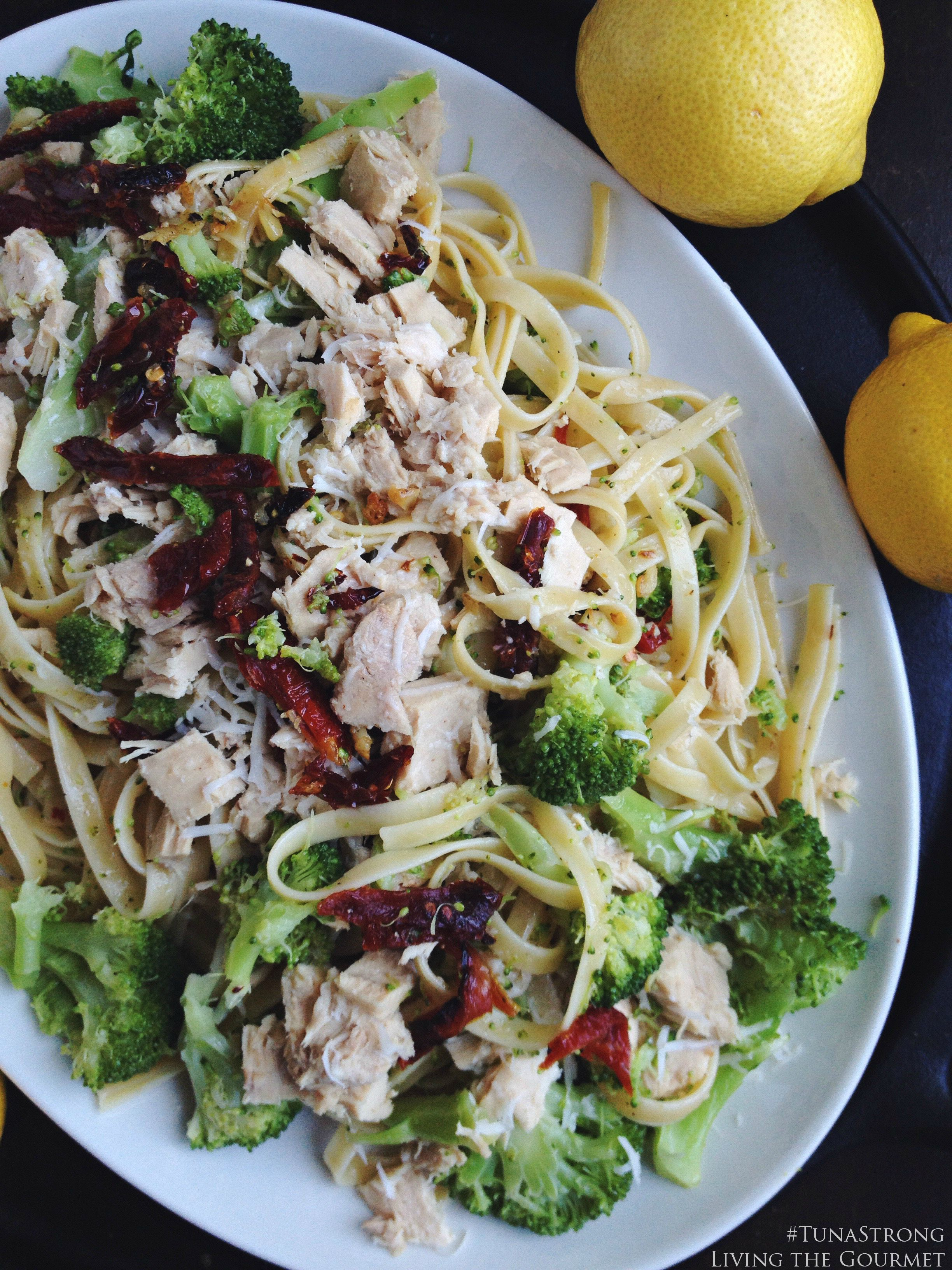Living the Gourmet: Broccoli and Tuna Fettuccine | #TunaStrong #CG