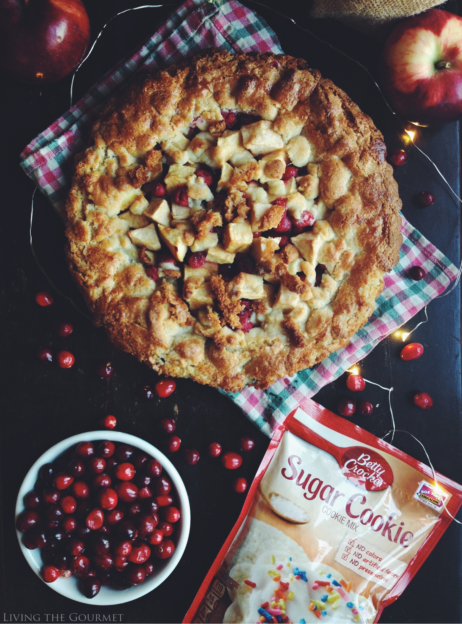 Living the Gourmet: Sugar Cookie Holiday Tart | #bakingwithbetty #ad