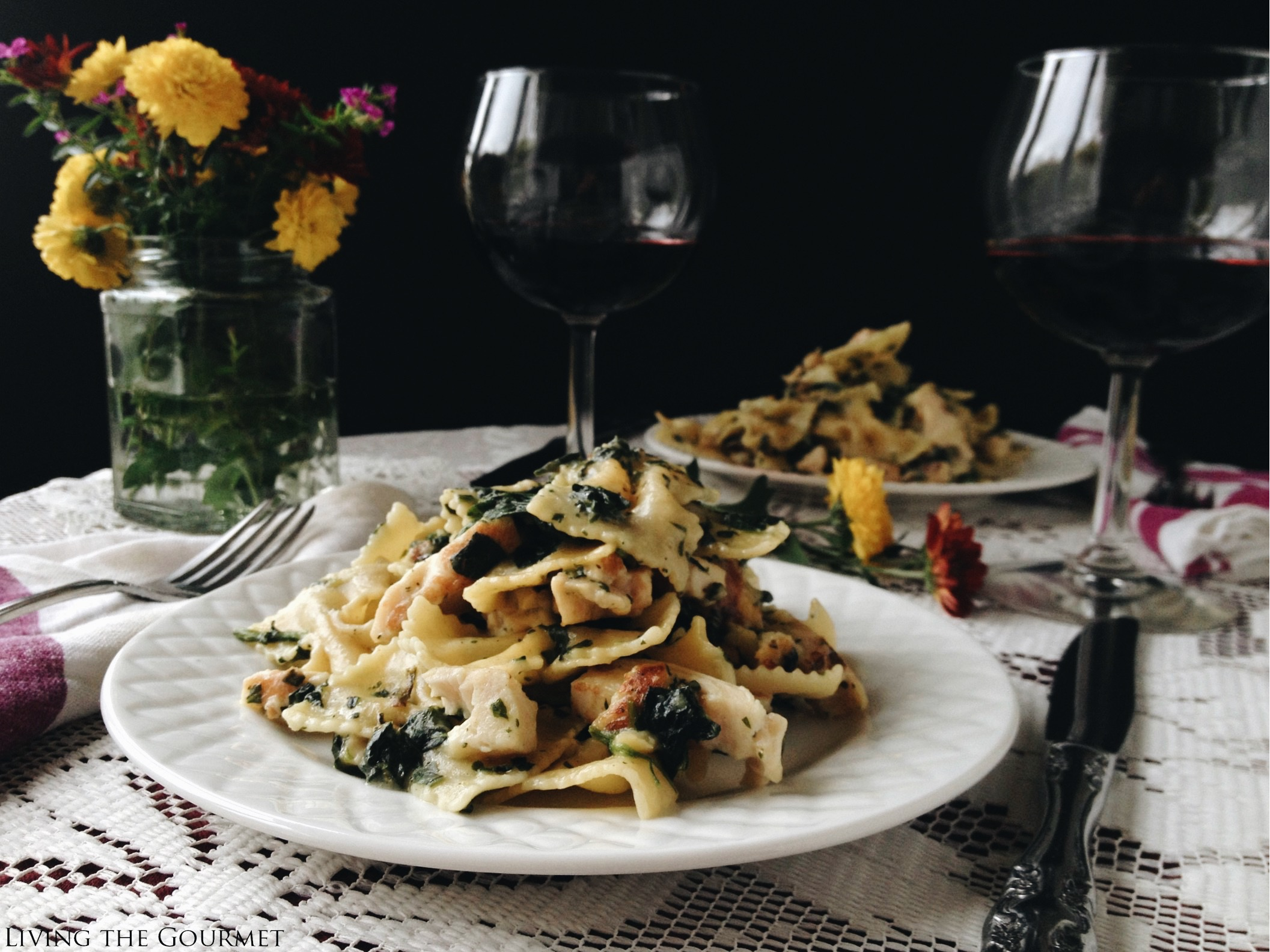Living the Gourmet: Chicken Florentine & Farfalle for Two | #ManigaMoment
