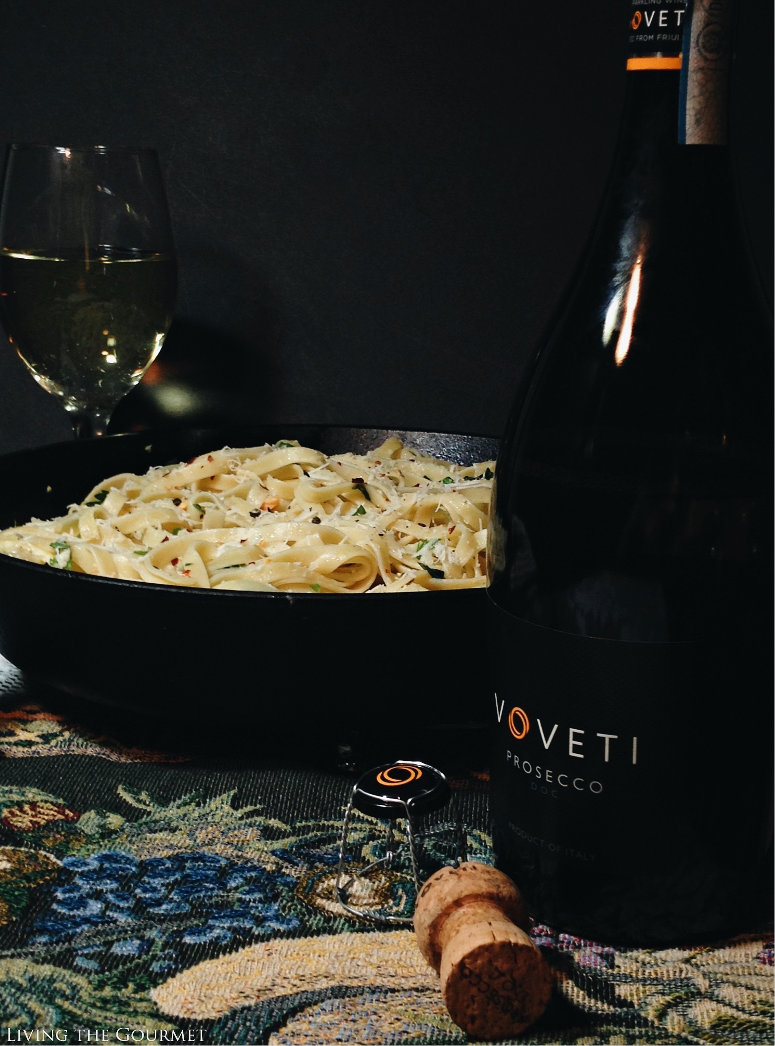 Living the Gourmet: Fettuccini with White Clam Sauce and VOVETI Prosecco | #VOVETI #CG