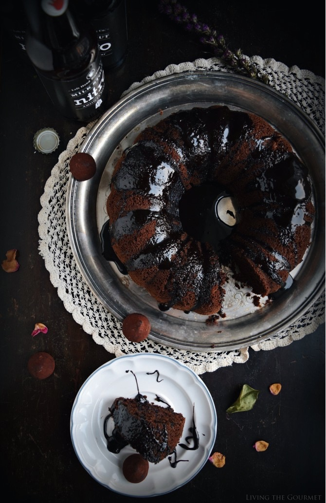 Living the Gourmet: Dark Chocolate Stout Cake | #BuntBakers