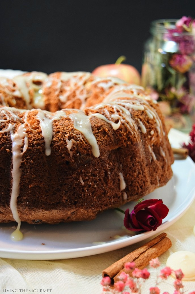 Living the Gourmet: Apple Cinnamon Bundt | #BundtBakers