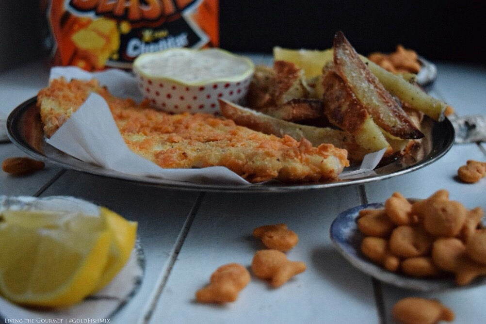 Living the Gourmet: Goldfish Cracker Crusted Fish and Chips | #GoldFishMix #Walmart #ad