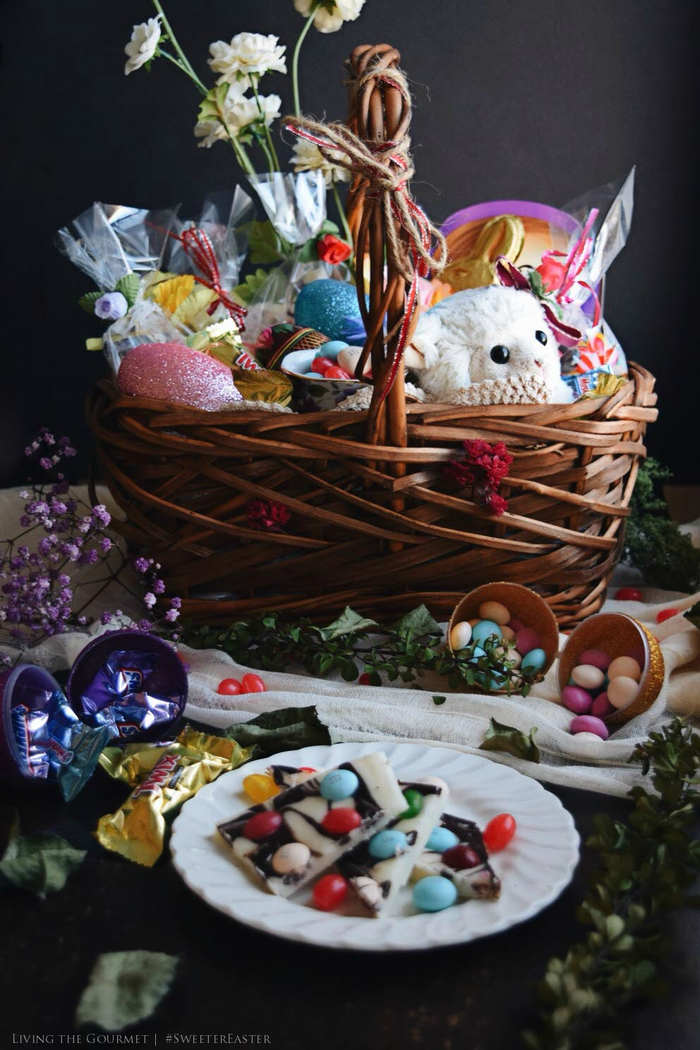 Living the Gourmet: Easter Fudge Bark