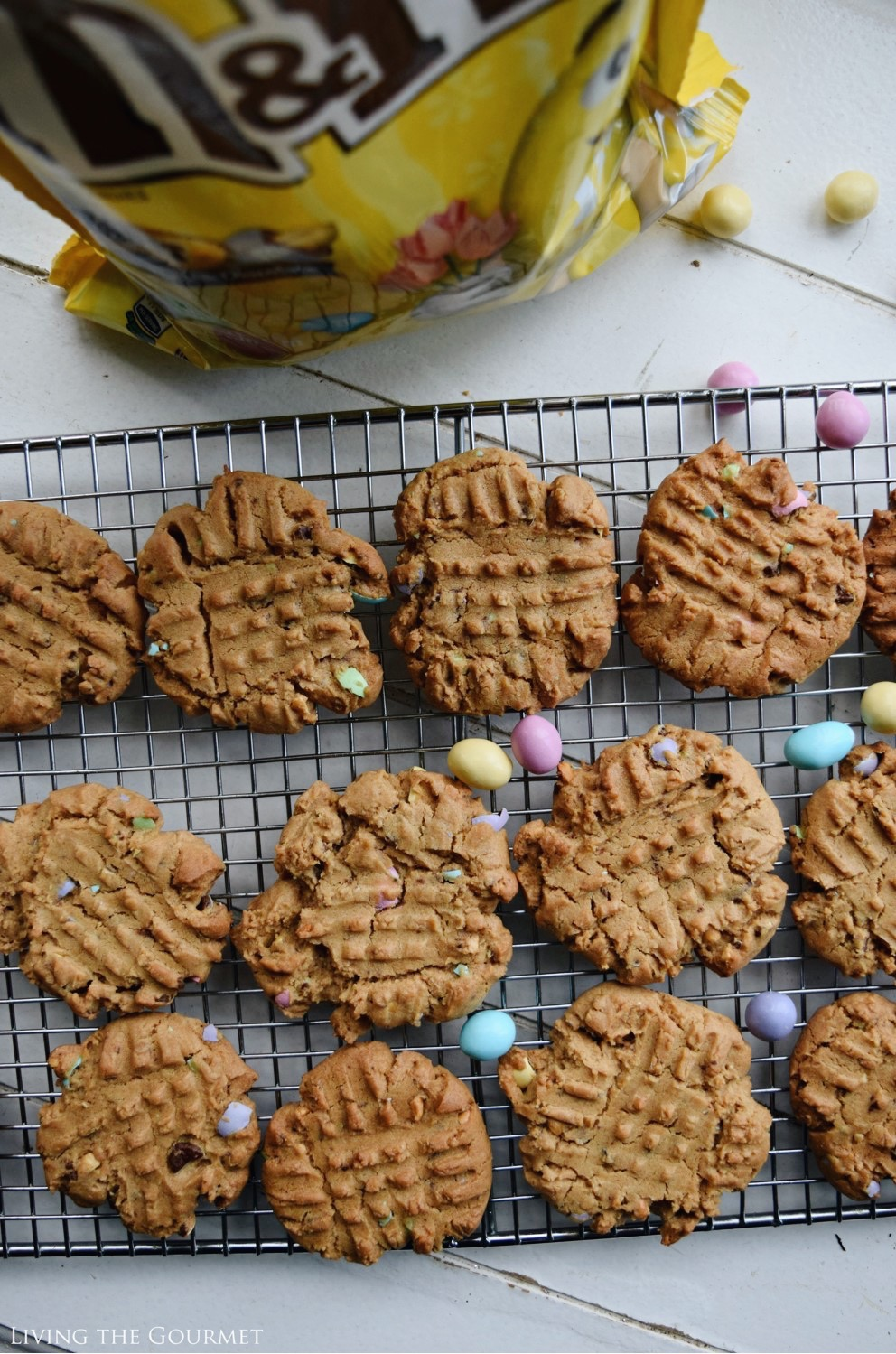 Living the Gourmet: Peanut Butter M&M's Cookies