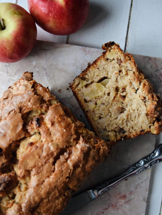 Living the Gourmet: Apple Banana Bread