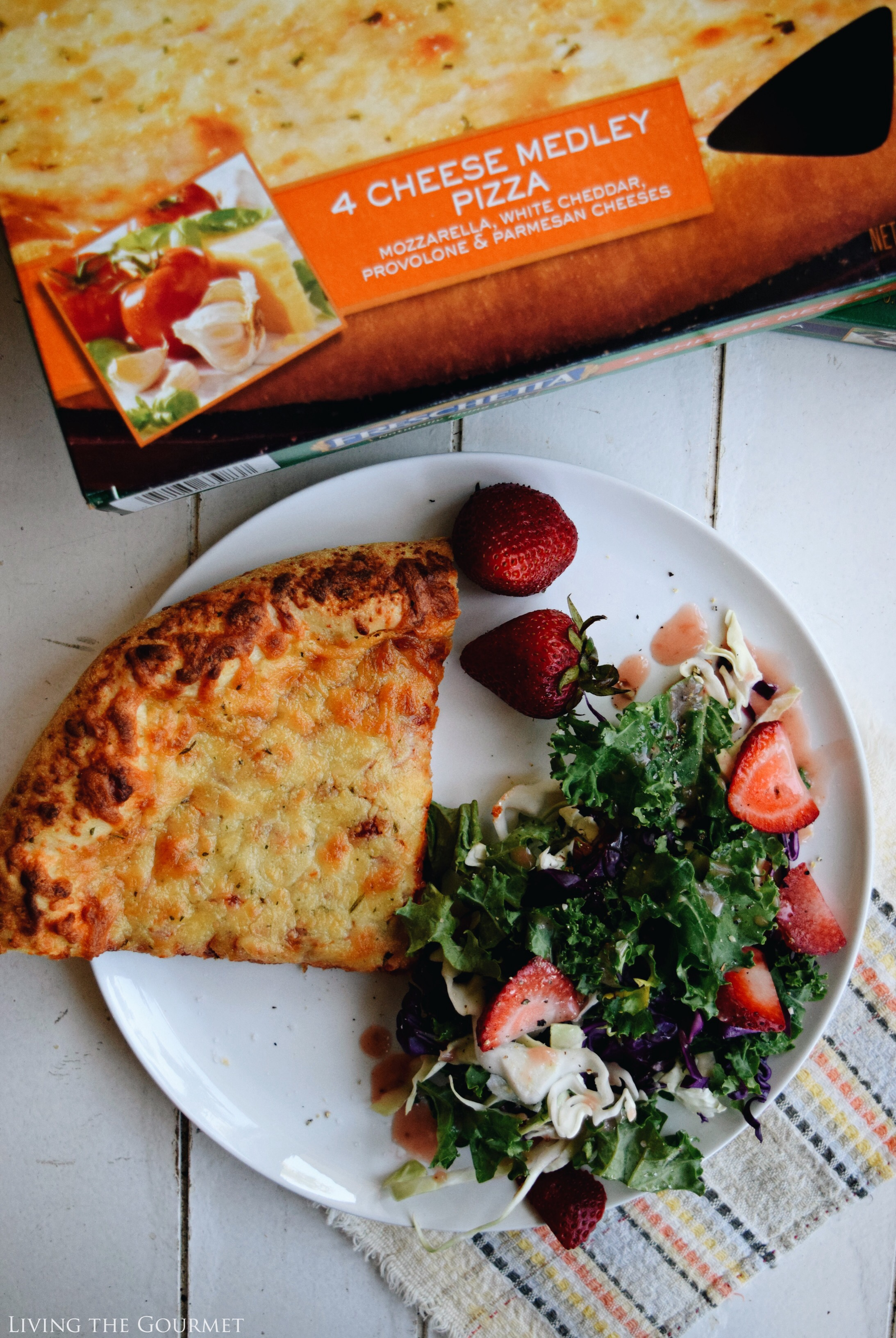 Living the Gourmet: Kale Salad with Strawberry Vinaigrette featuring Freschetta Pizza | #RealTasteForRealLife #ad