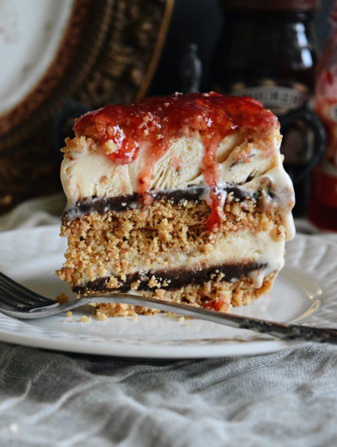 Living the Gourmet: Butter Pecan and Vanilla Ice Cream Cake | #SoHoppinGood #TopYourSummer #ad