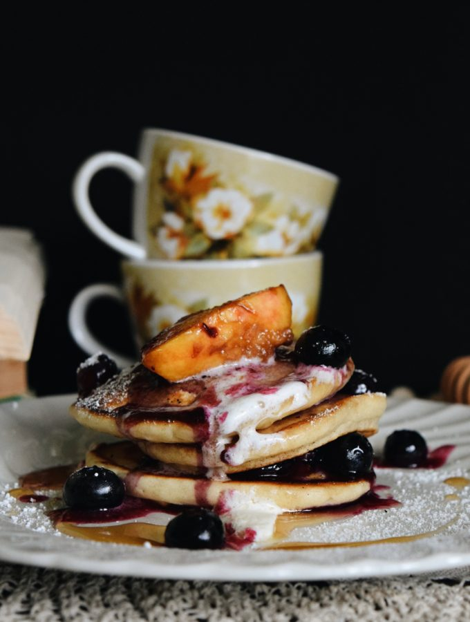 Living the Gourmet: Summer Fruit Pancakes | #SummerComfortFood
