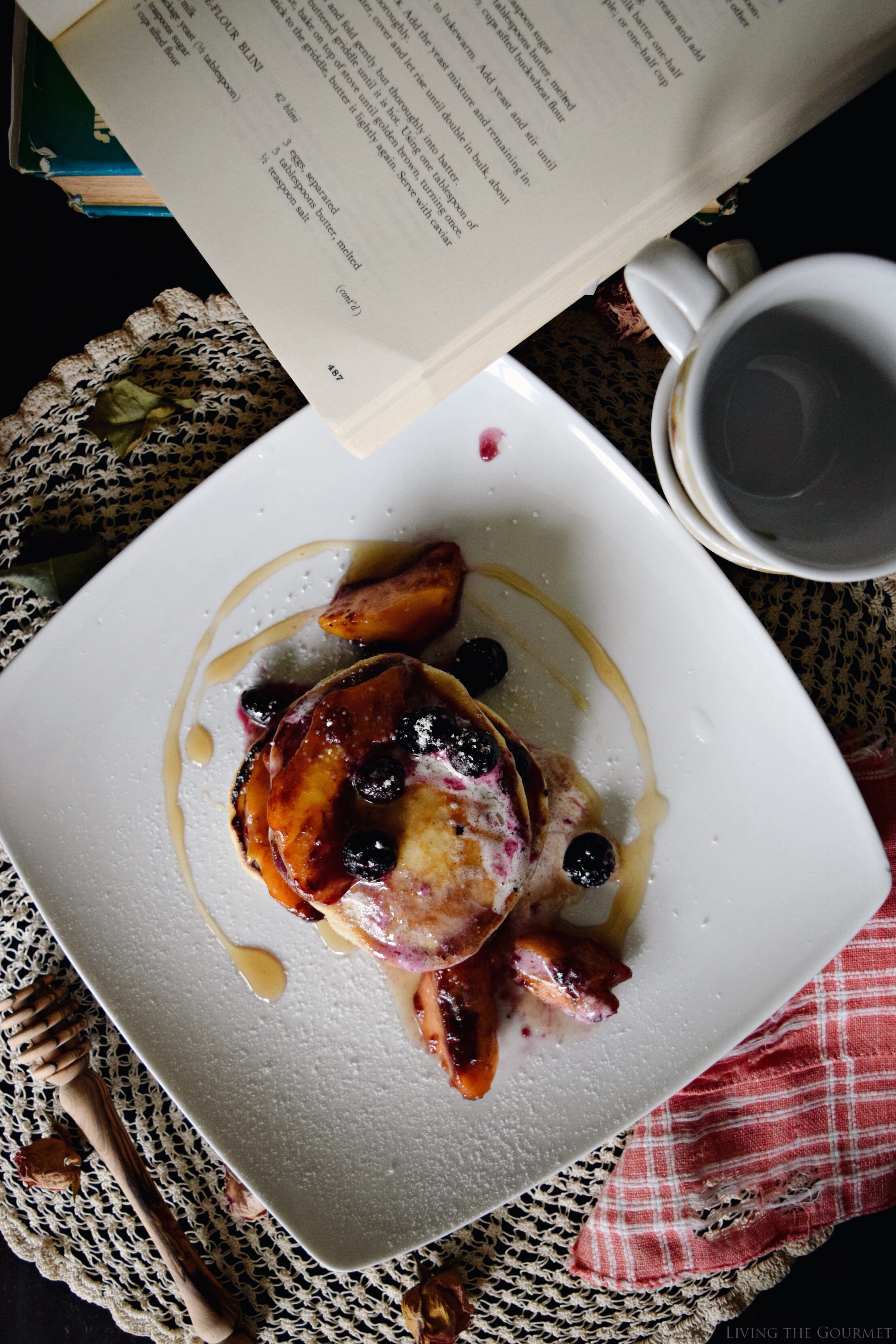 Living the Gourmet: Summer Fruit Pancakes | #SummerComfortFood