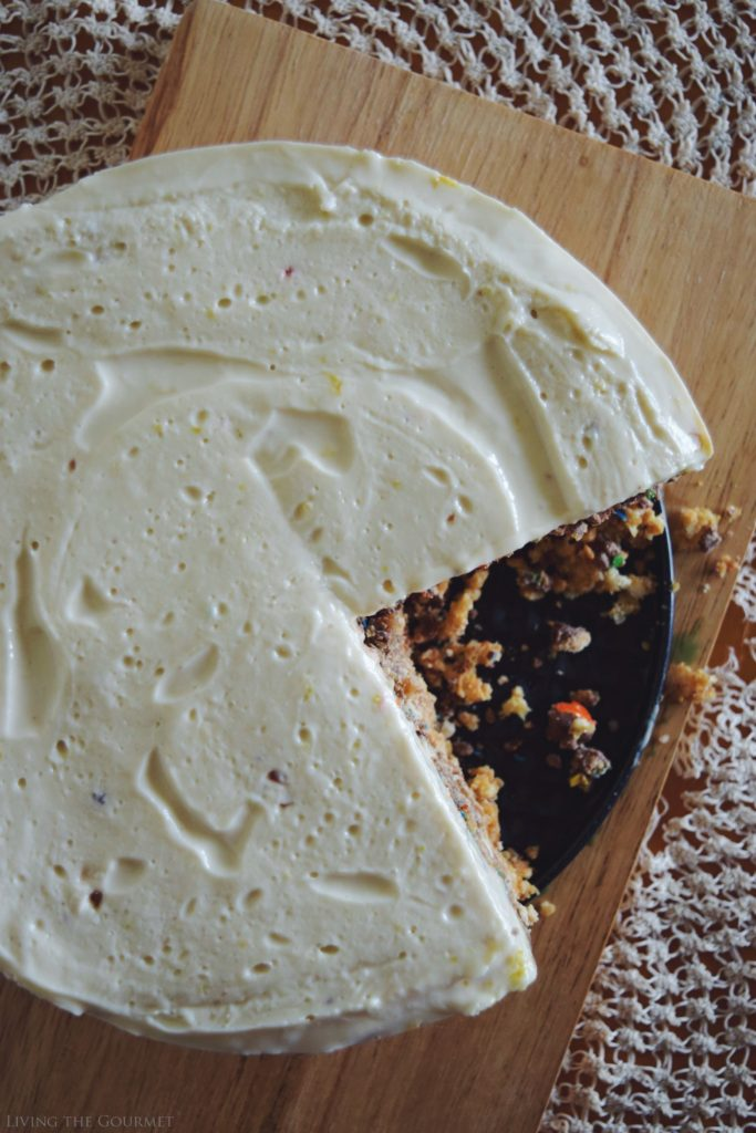 Living the Gourmet: No Bake Candy Crust Cheesecake | #SweetSquad