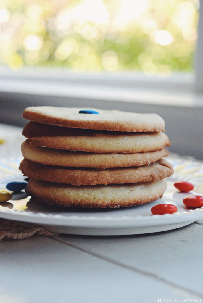 Living the Gourmet: Simple Sugar Cookies | #SweetSquad