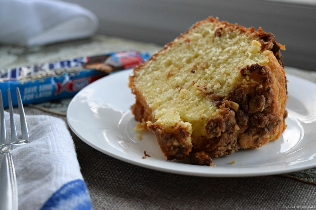 Living the Gourmet: Snickers Crispers Pound Cake #SweetSquad