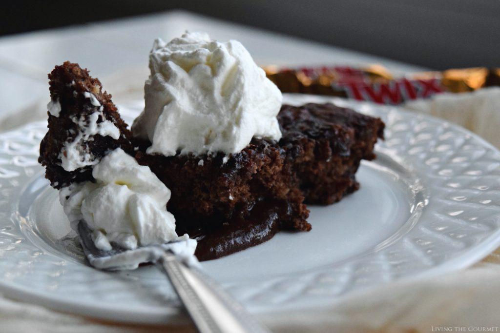 Living the Gourmet: Twix Pudding Pie