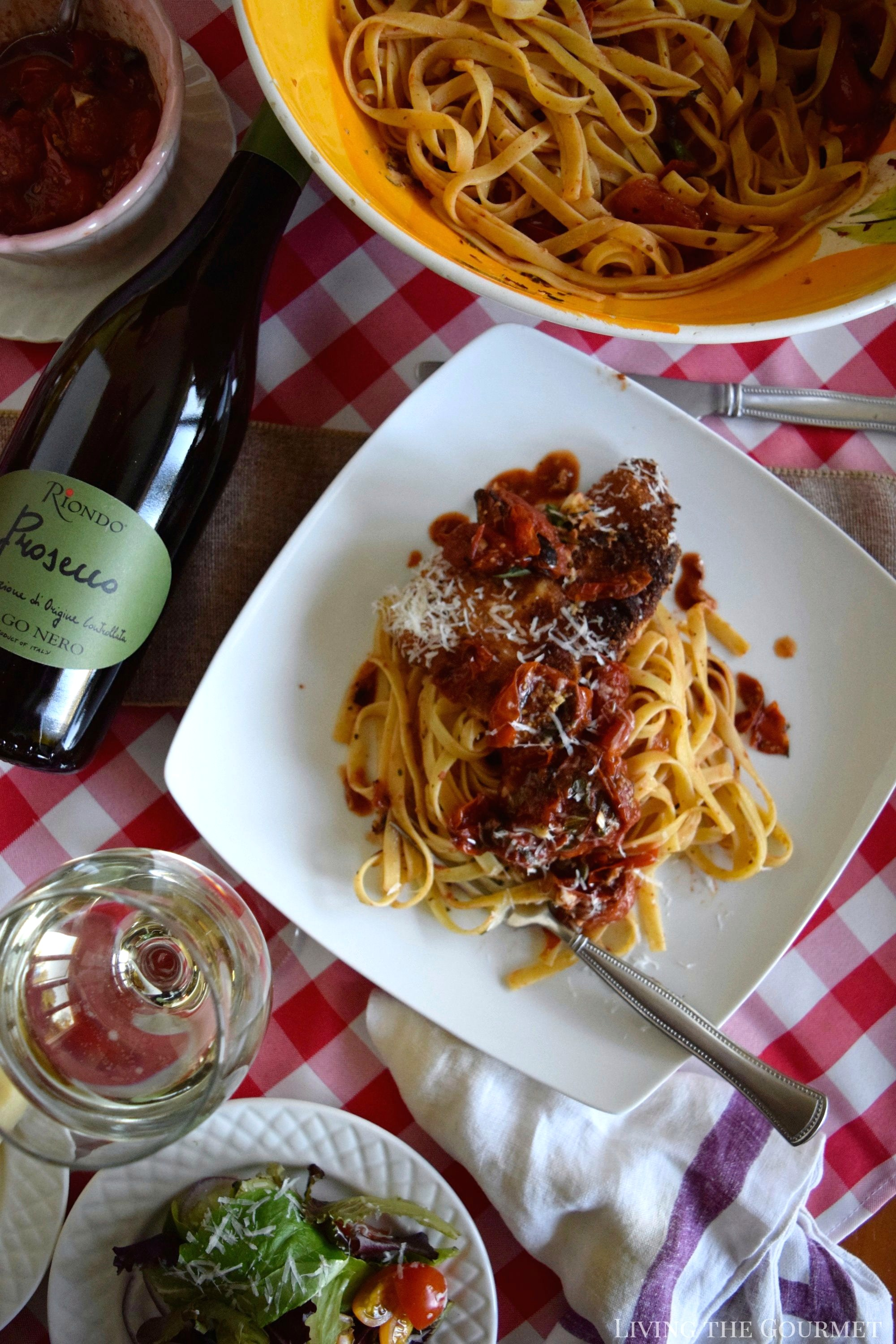 Living the Gourmet: Pork Parmigiana featuring Riondo Prosecco - This classic Italian recipe is served alongside a bubbly glass of Riondo Prosecco for an unforgettable meal! #RiondoProsecco #ItalianForsummer #ad